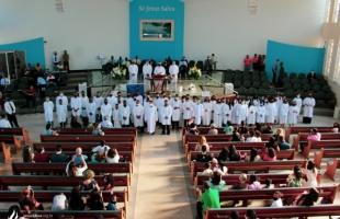 Batismo nas águas: 52 novos membros são batizados no último domingo de setembro